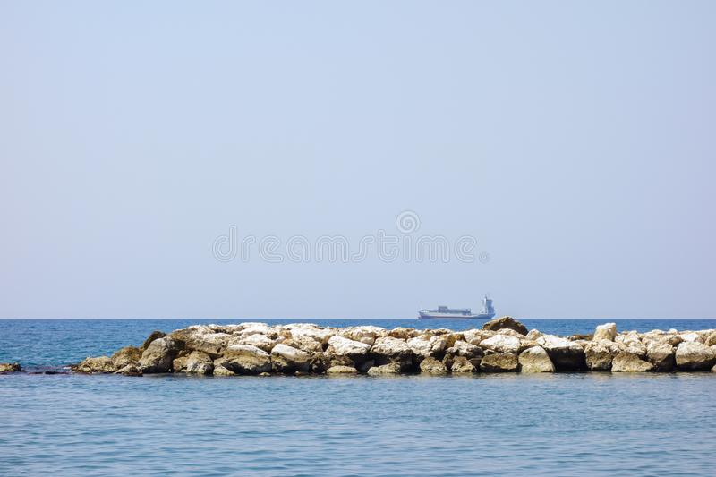Navio de tanque do óleo no mar fotografia de stock royalty free