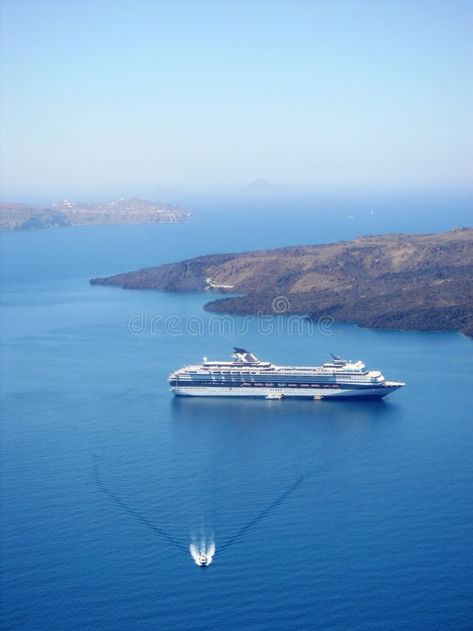 Navio em Santorini foto de stock