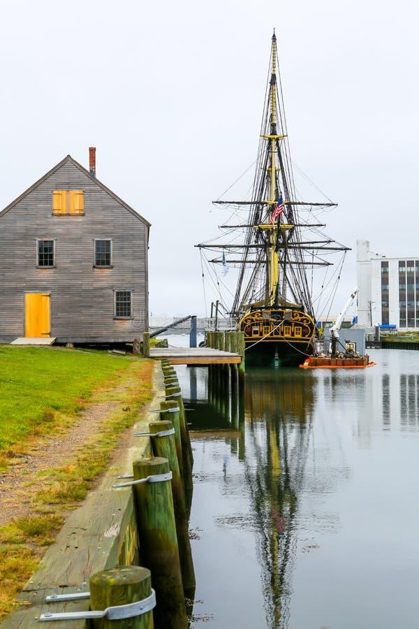 Navio histórico nomeado amizade Três-suprida ancorada no porto de Salem fotografia de stock royalty free