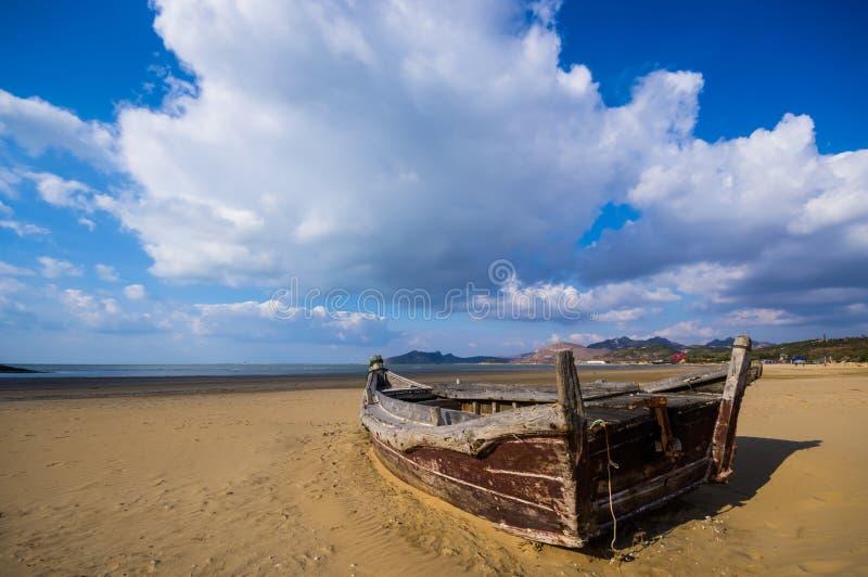 Navio litoral imagens de stock