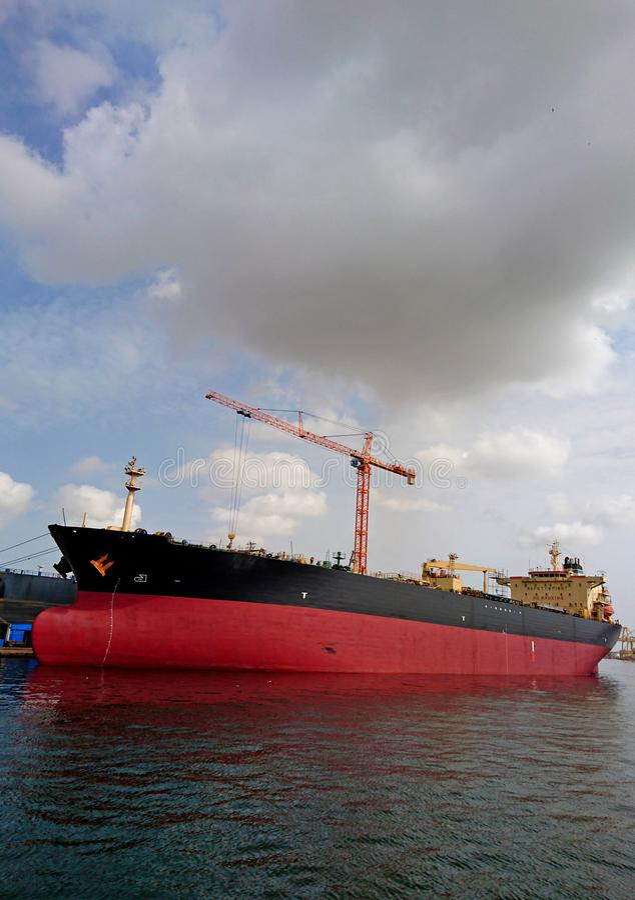 Navio pela costa de Senegal imagens de stock royalty free