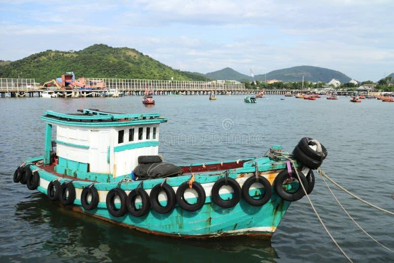 Navio pequeno genérico da pesca de Tailândia imagem de stock