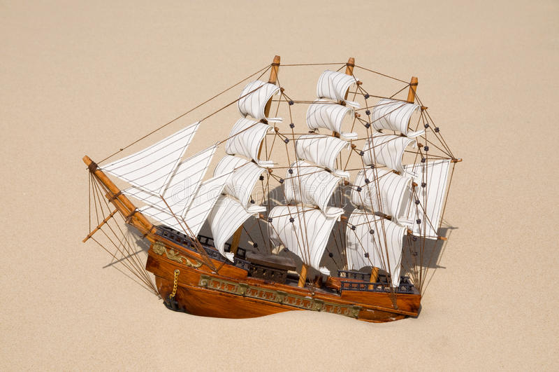 Navio Sunken imagens de stock royalty free