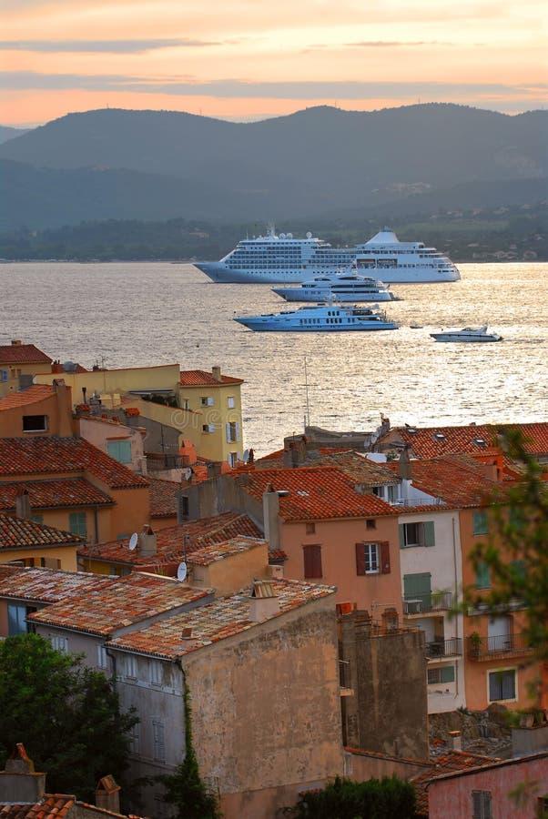 Navios de cruzeiros em St.Tropez imagens de stock royalty free