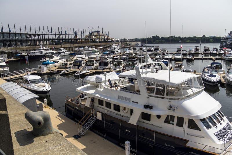 Navios do porto de Montreal foto de stock