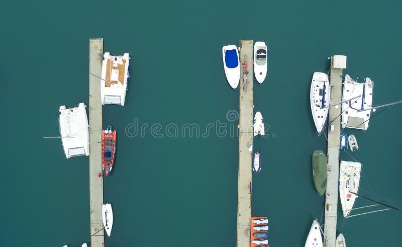 Navios entrados na porcelana de qingdao do porto fotos de stock royalty free
