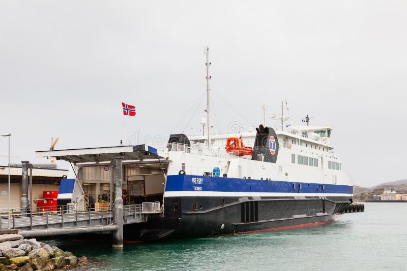 Navire à passagers, Vaéroy, amarré à Bodo, Norvège photographie stock