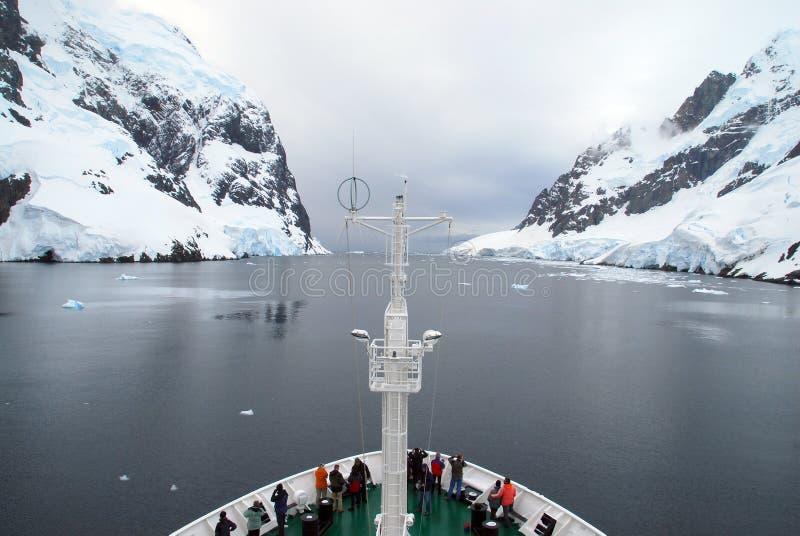 Navire antarctique d'expédition photographie stock