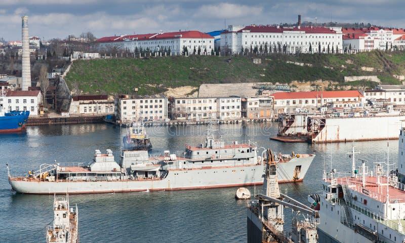 Navire de guerre russe d'approvisionnement de marine, Sébastopol images stock