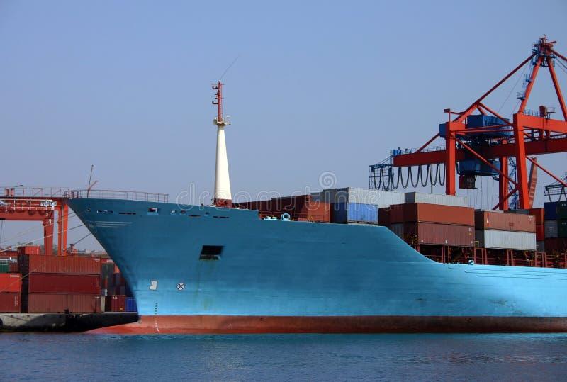 Download Navire porte-conteneurs image stock. Image du port, cargaison - 91605