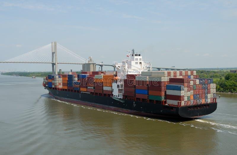 Navire porte-conteneurs de cargaison photographie stock libre de droits