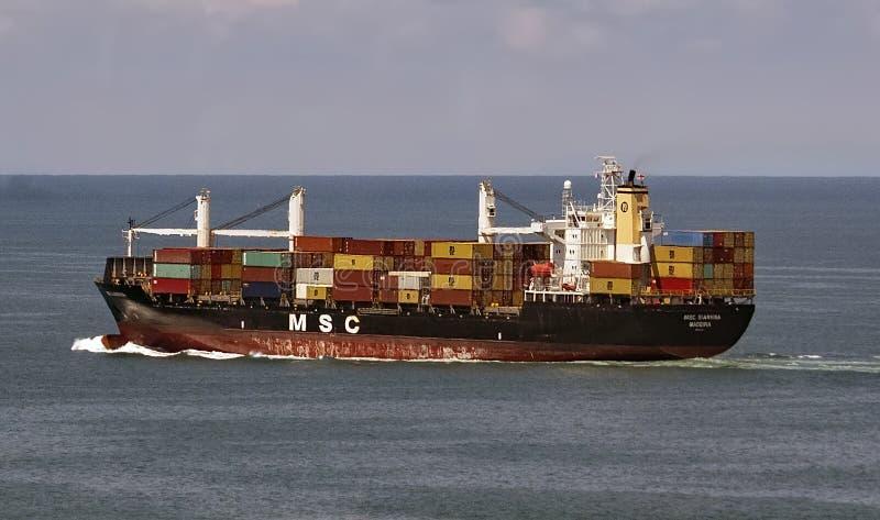 Navire porte-conteneurs sur la Mer Noire photo stock