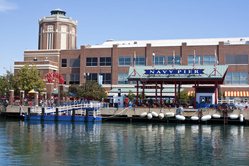 Download Navy Pier in Chicago editorial image. Image of downtown - 20981600