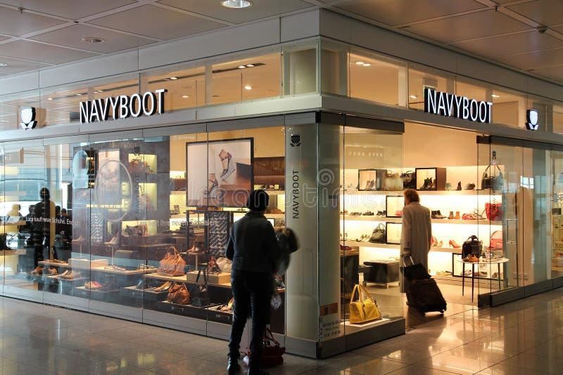 Navyboot obuwia sklep fotografia stock