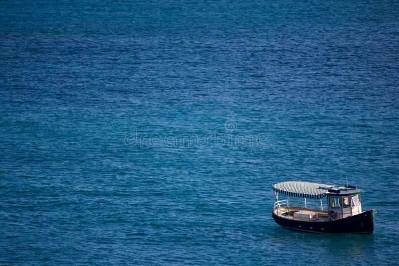 Nawadnia taxi w Karaibskim oceanie blisko St. Thomas zdjęcia royalty free