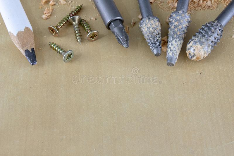 Nawiertak używać w joinery dla reaming dziury Joinery akcesoria na warsztata stole zdjęcia stock