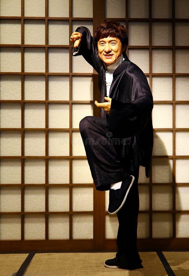 Nawoskuje statuę Jackie Chan na pokazie, przy madame tussauds w Hong kong obraz royalty free