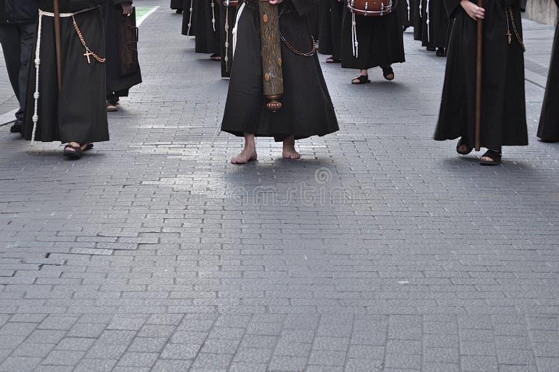 Nazarene com os pés descalços no assoalho da pedra fotografia de stock royalty free