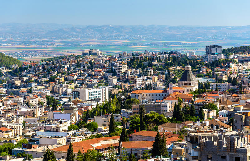 Nazaret mit Basilika der Ankündigung stockbild