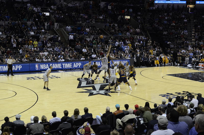 NBA game - Cavs and Spurs royalty free stock photos