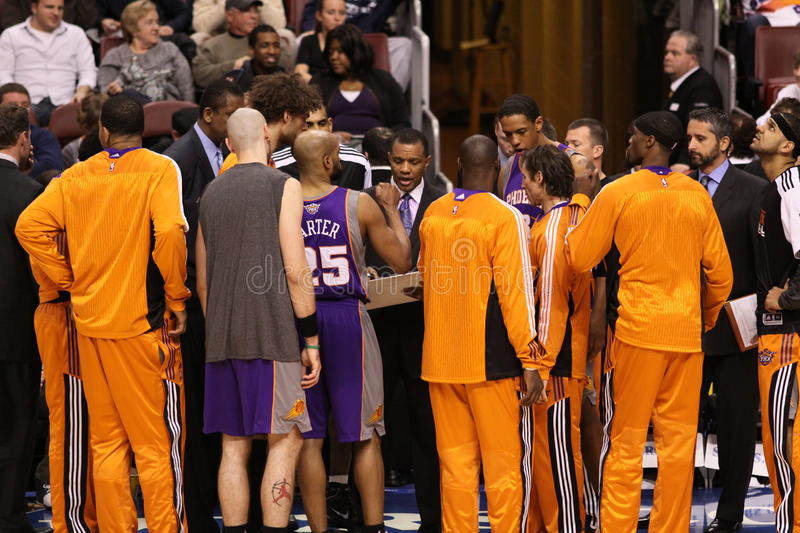 Download NBA Phoenix Suns editorial photo. Image of coaches, professional - 17998551