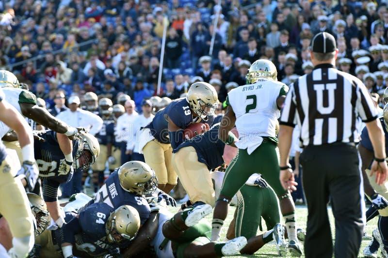2015 NCAA橄榄球-海军的南佛罗里达 图库摄影