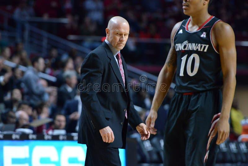 2015 NCAA-Basketball - Tempel-Cincinnati lizenzfreies stockbild