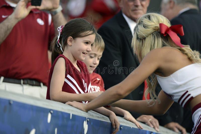 2014 NCAA-fotboll - WVU-Oklahoma fotografering för bildbyråer