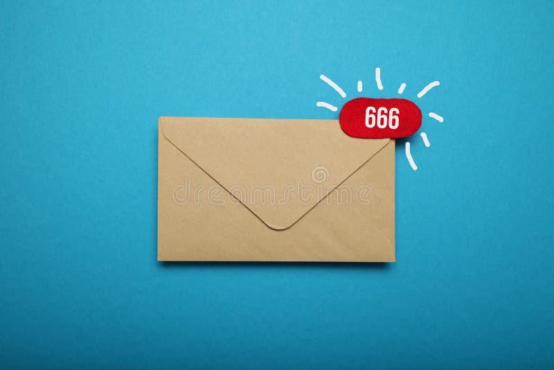 An?ncio, bate-papo de uma comunica??o Entregue a correspond?ncia do e-mail imagem de stock