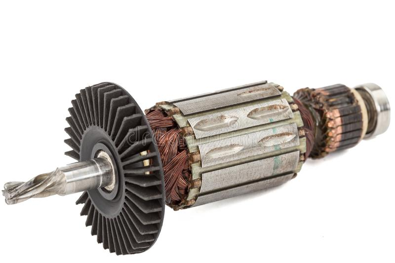 Âncora danificada do motor elétrico, isolada no fundo branco imagem de stock