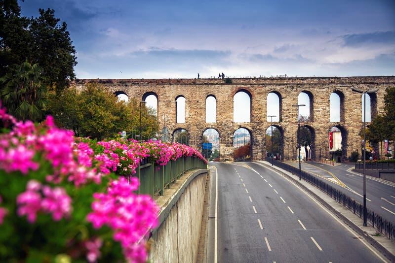 2011 22nd valens индюка mai istanbul мост-водовода принятое фото стоковые изображения rf