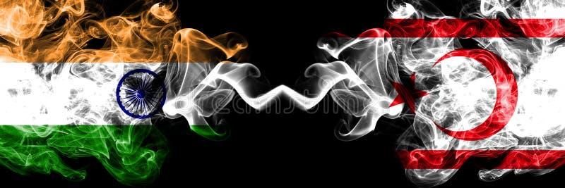 ?ndia contra as bandeiras do norte do fumo de Chipre colocadas de lado a lado Bandeiras de seda coloridas grossas do fumo de Chip ilustração do vetor