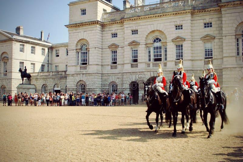 ?ndrande guards royaltyfri bild