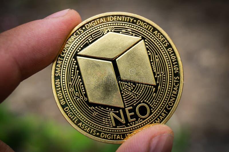 Nea es una manera moderna de intercambio y esta moneda crypto es los medios del pago convenientes en el financiero imagenes de archivo