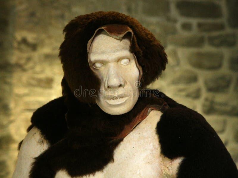 Neanderthalhöhlenbewohner stockfoto