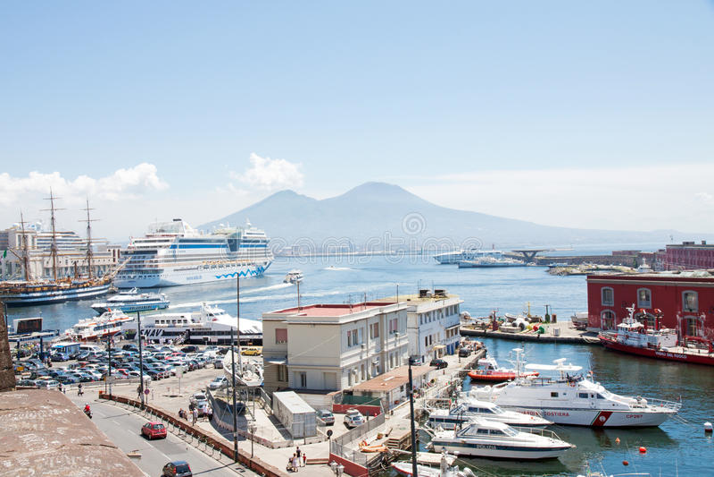 Neapel-Hafen, Italien lizenzfreie stockfotografie