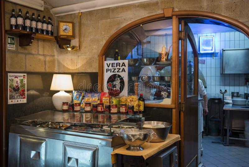 Neapolitan εστιατόριο πιτσών, Νάπολη, Ιταλία στοκ φωτογραφία