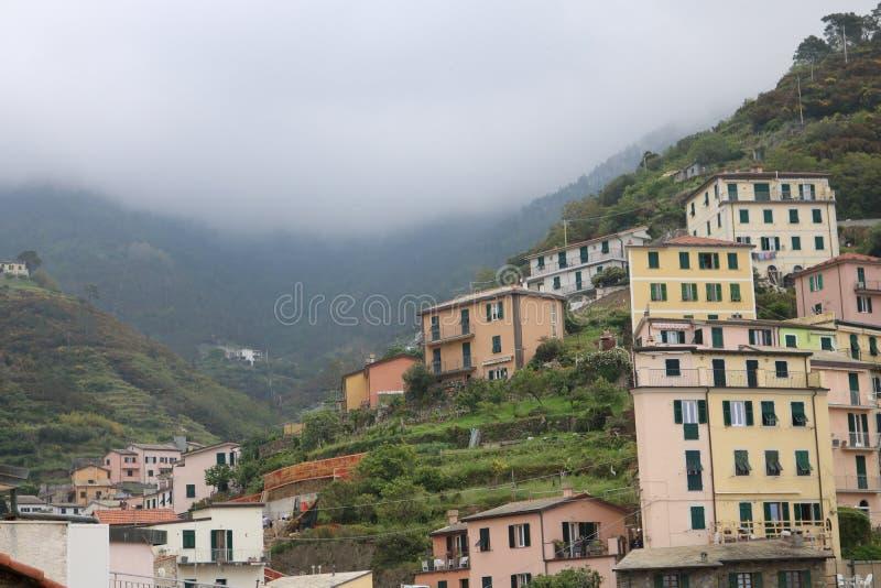 Nebbia della montagna immagini stock