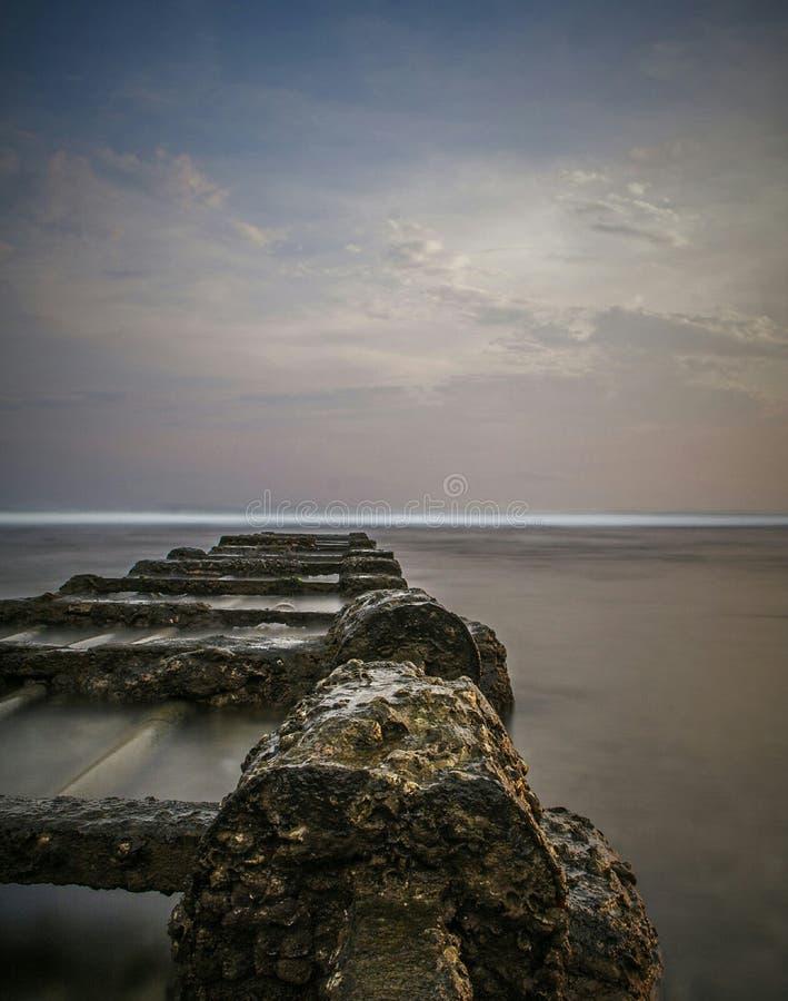 Nebbioso della spiaggia fotografie stock libere da diritti