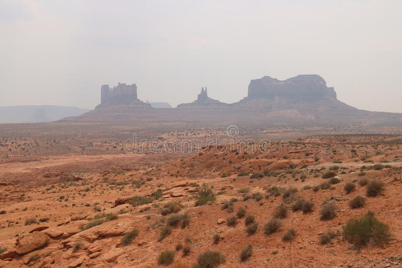 Nebel-Landschaft in Arizona, Monument-Tal Bunt, Tourismus lizenzfreie stockbilder