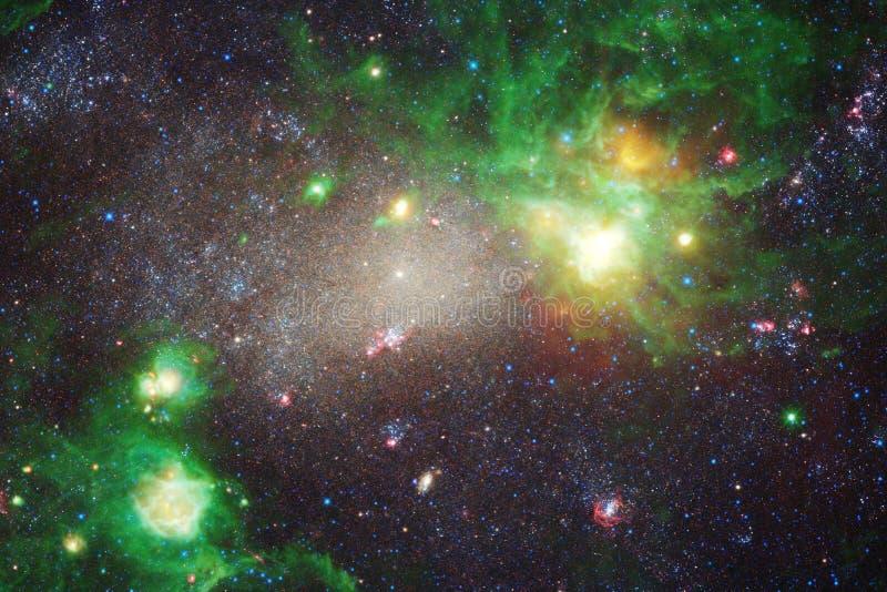 Nebelflecke und viele Sterne im Weltraum Elemente dieses Bildes geliefert von der NASA stock abbildung