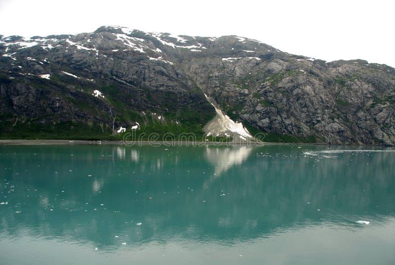 Nebelhafte Berge - Gletscher-Schacht, Alaska lizenzfreies stockfoto