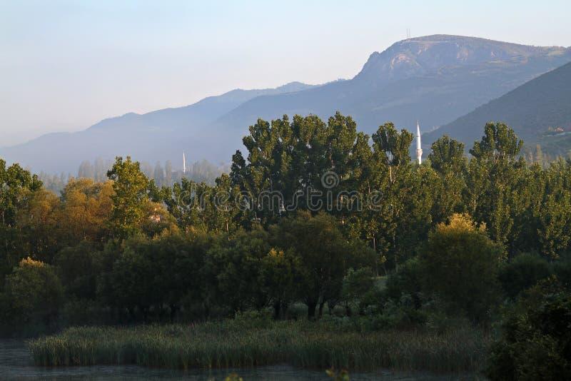 Nebelhafte Berglandschaft in die Türkei-Landschaft stockfoto