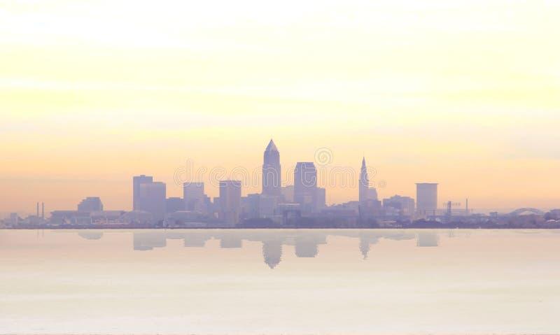 Nebelhafter Sonnenaufgang in Cleveland lizenzfreie stockfotografie