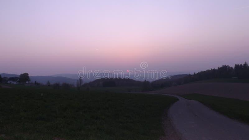nebelige Landschaft stockfotos