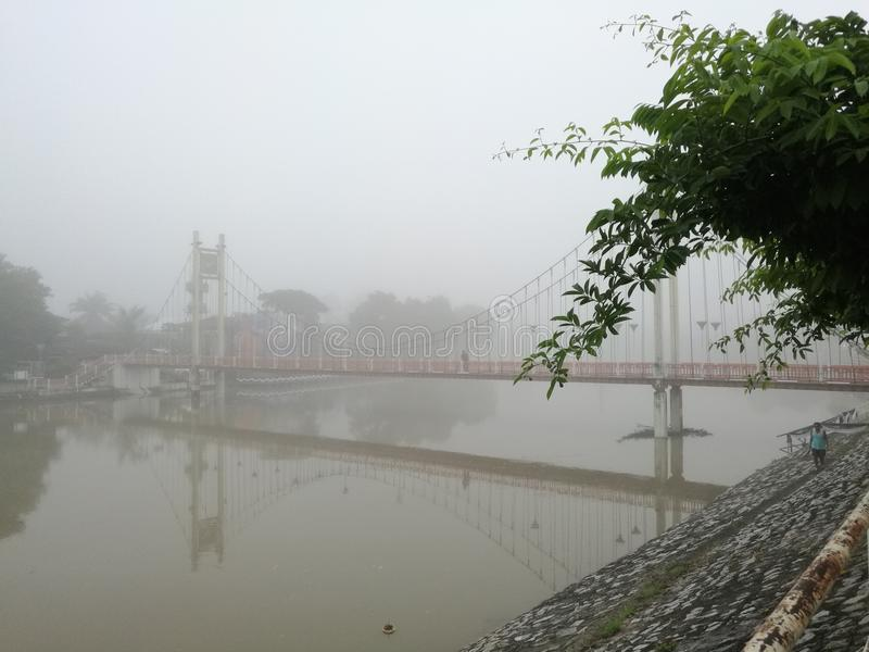 Nebelmorgen stockfoto