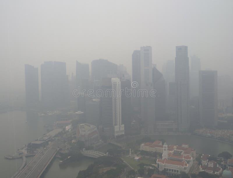 Neblina sobre Singapur fotos de archivo