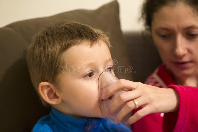 Nebuliserterapi fotografering för bildbyråer