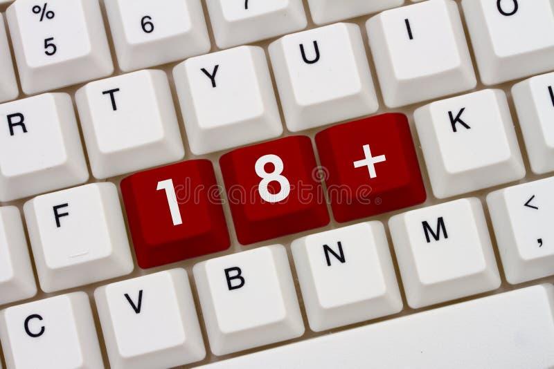 Necesidad ser 18 o más viejo tener acceso a un sitio web imagen de archivo libre de regalías