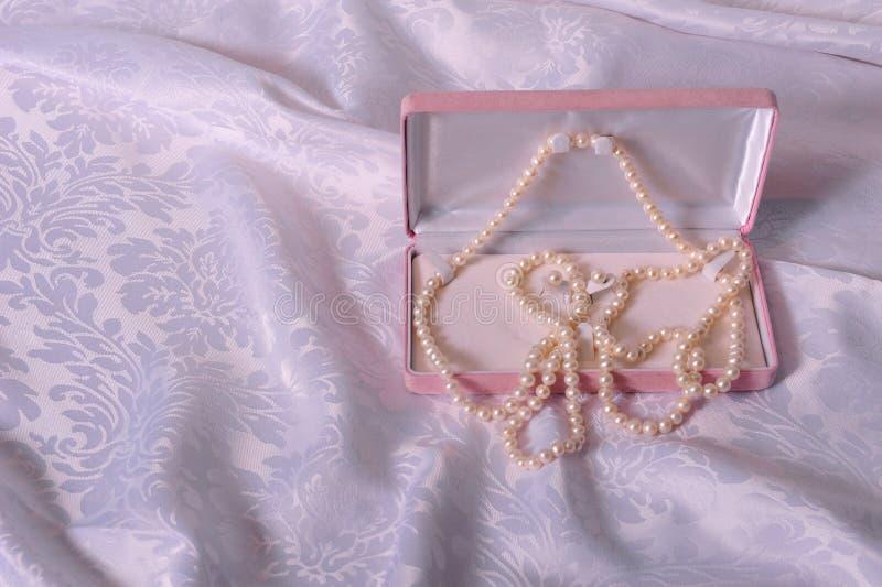 Necklace en oorbellen royalty-vrije stock fotografie